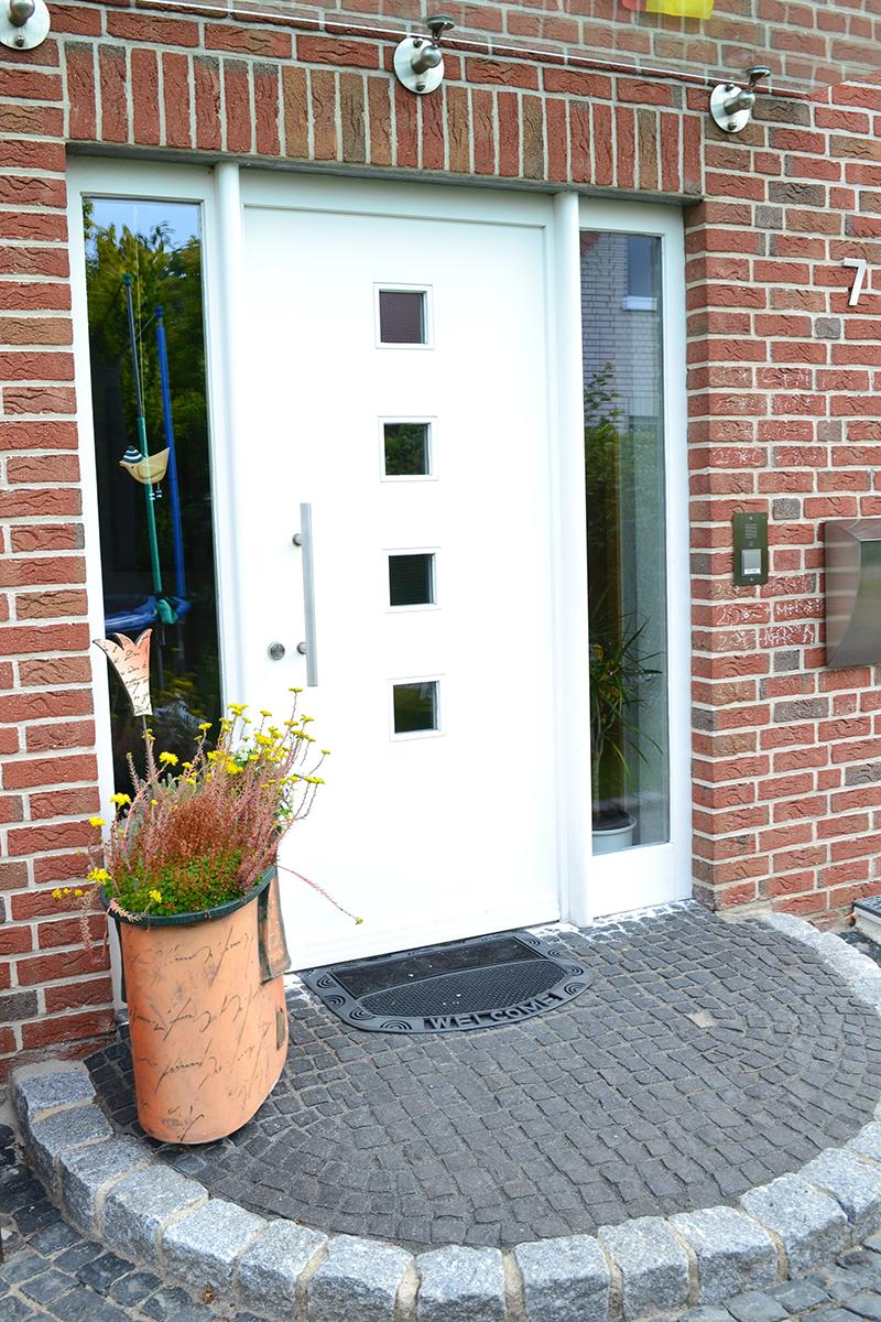 Haustüren modern weiß  Fenster und Türen » Gravemann & Rehme